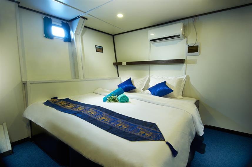 cabin_3_lower_deck_flexible_hrw857h570cr