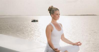 yogaw857h570crwidth857crheight570.jpg