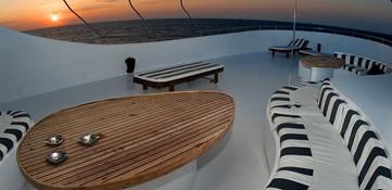 sa-yacht10w857h570crwidth857crheight570.