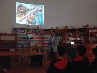 """Charla: """"Fusión Nuclear : ¿soluciones energéticas para el futuro""""  Gonzalo Avaria Saavedra."""