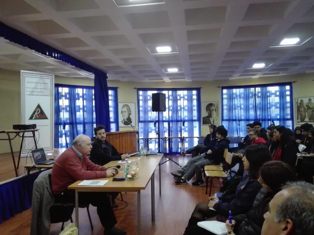 Charla Luis Felipe Portales3