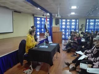 "Charla: Conversatorio literario del libro ""No Abuses de este Libro"". Escritora Natalia Sil"
