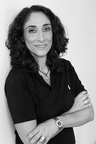 Zahnarzt Helena Montasem mit tollem Lächeln