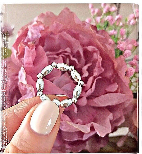 Oval Beaded Mixed Stretch Ring