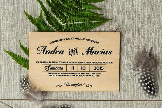 Invitatii pe lemn natural