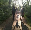 guidegrupp vuxenbarn sol.jpg