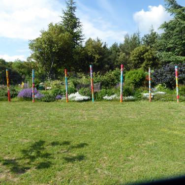 Jardin avec totems Pat Grigri