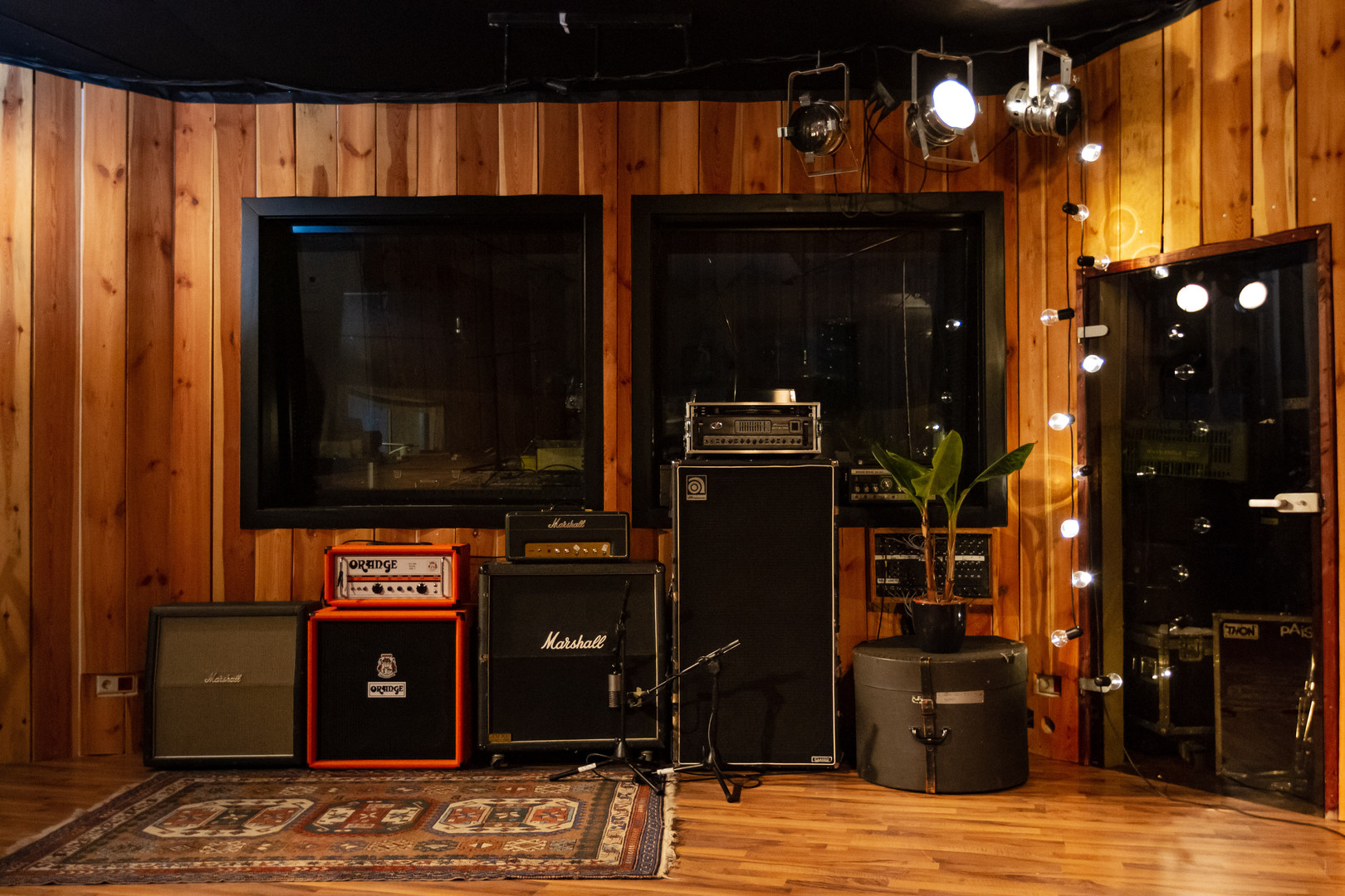 Live Room / Amps