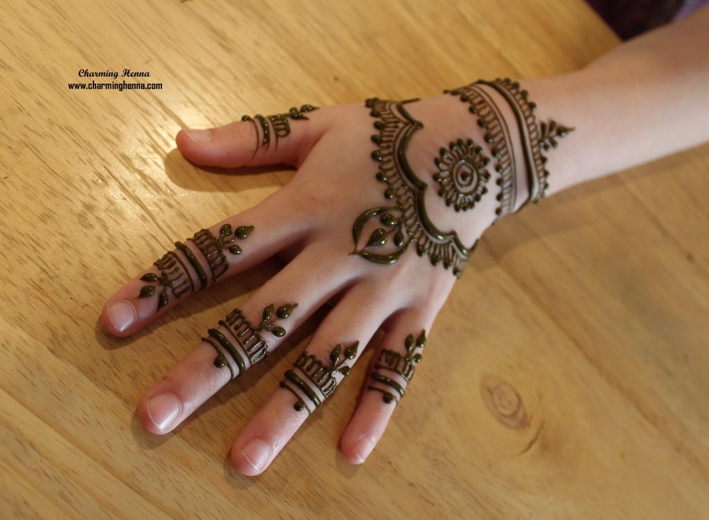 Fancy Henna design