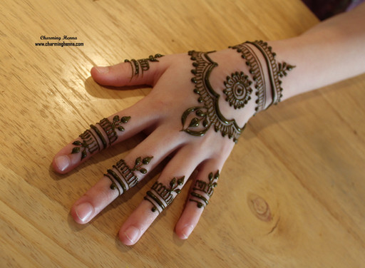 Fancy Henna design