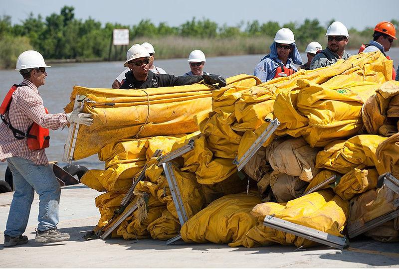 LFR - Workers Building Boom Against Oil