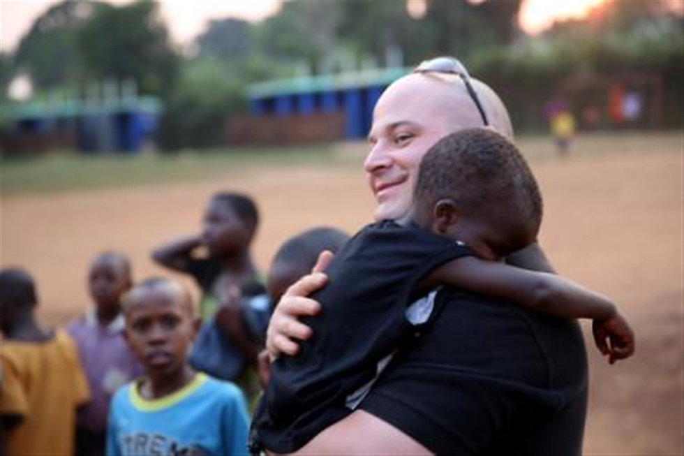 us-marines-volunteer-at-local-ugandan-sc