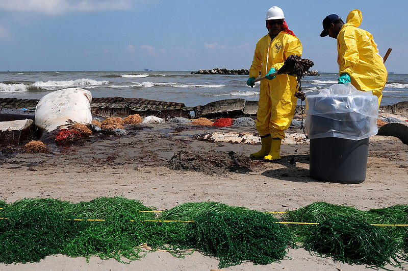 LFR - HSE Workers Clean Up Port Fourchon