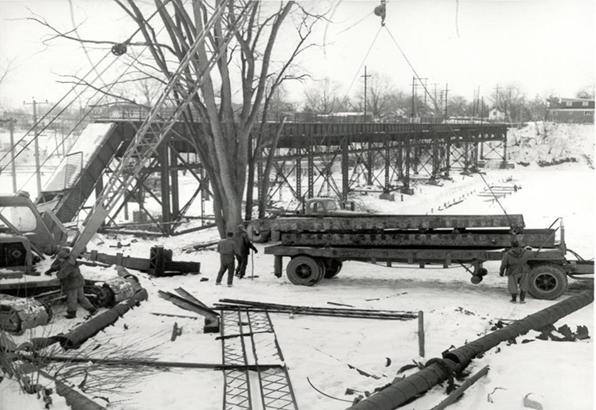 Radial bridge demolition