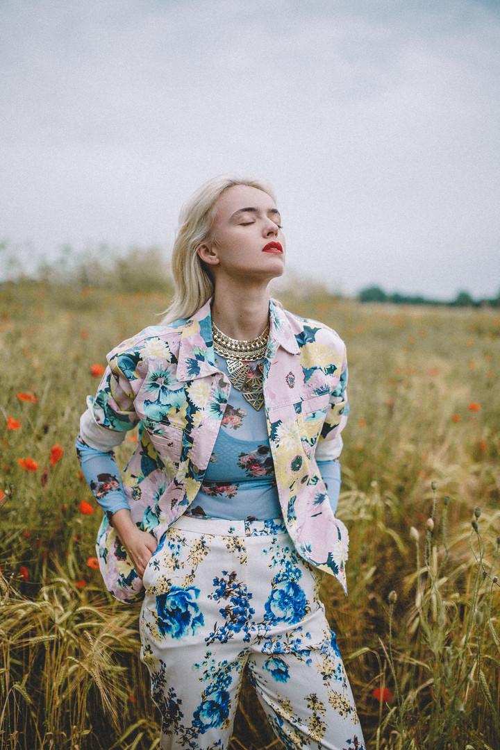 Floral Daze - Alexandra Cameron