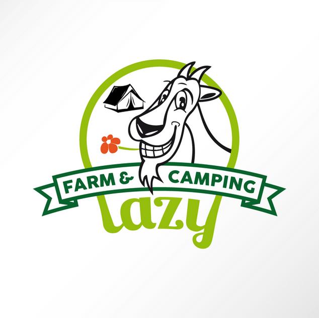 Minicampingplatz im Süden der Slowakei. Aktivitäten wie Ziegenmelken, Kinderspielplatz und Farmleben geniessen stehen im Vordergrund.