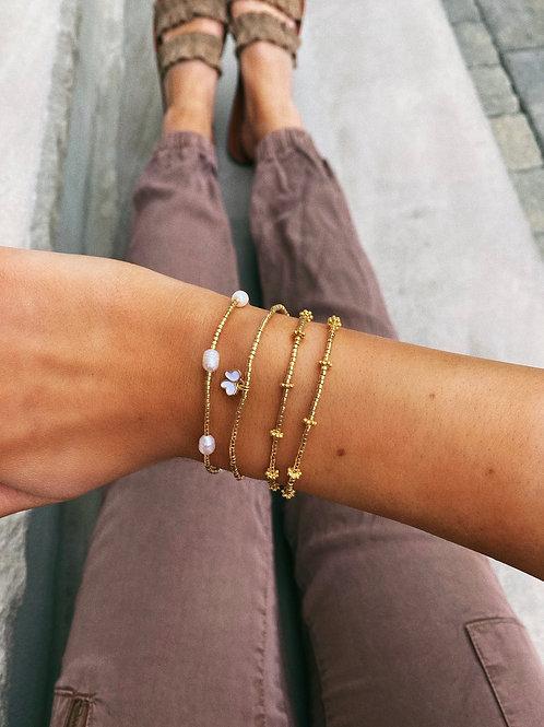 Simple Pearl Bracelet
