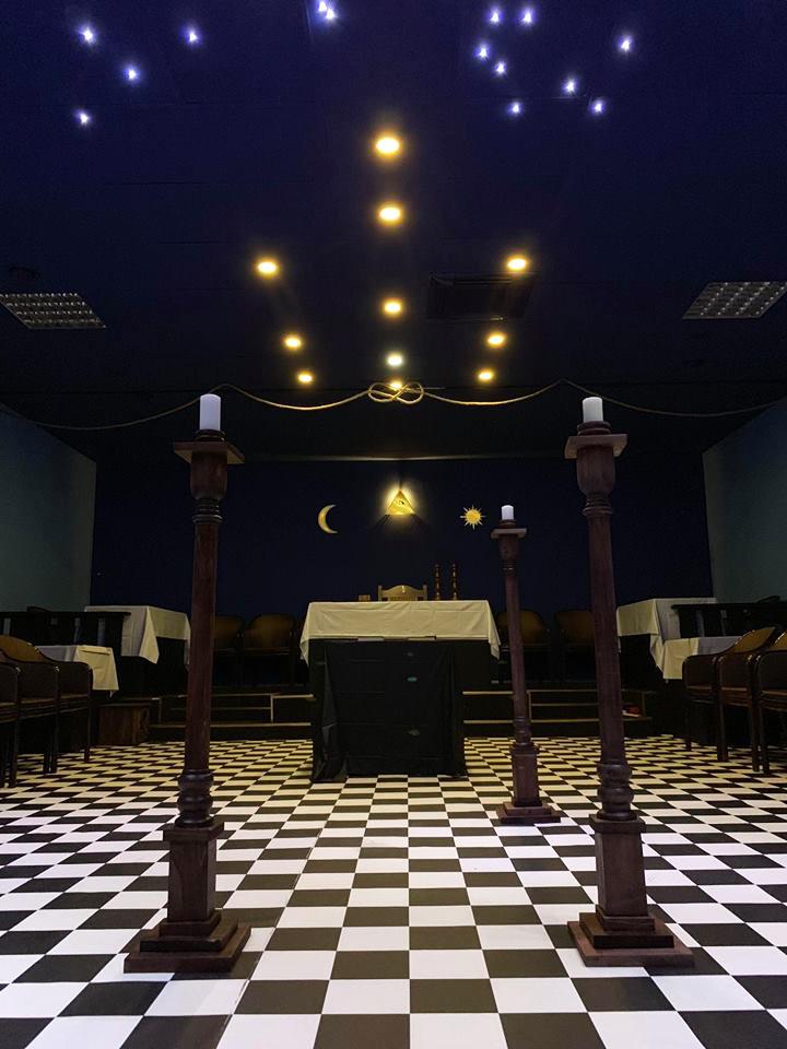 Голяма храмна зала