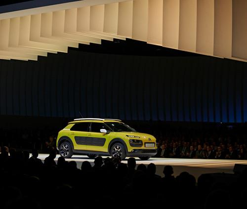2014_Citroën_cactus_Lever_de_rideau_kar
