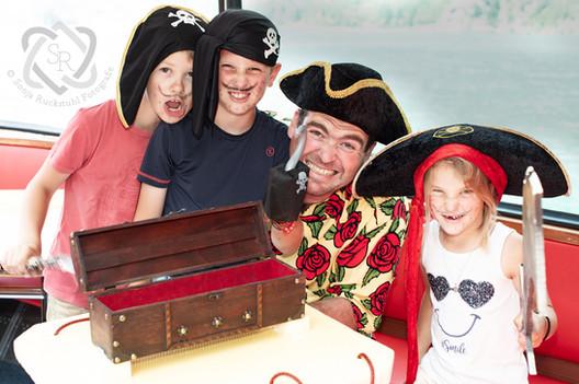 Familienreportage Piratenschiff - Schweizer Illustrierte