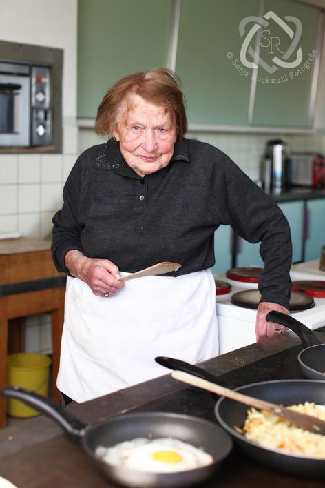 Rosa Oberholzer, seit über 70 Jahren Wirtin - MigrosMagazin