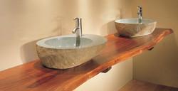 plan-travail-salle-bain-bois-brut-montage-mural-vasques-pierre-naturelle-grise.jpg