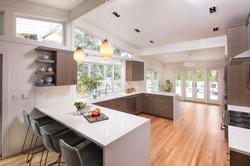 Kitchen - Peninsula & Sink