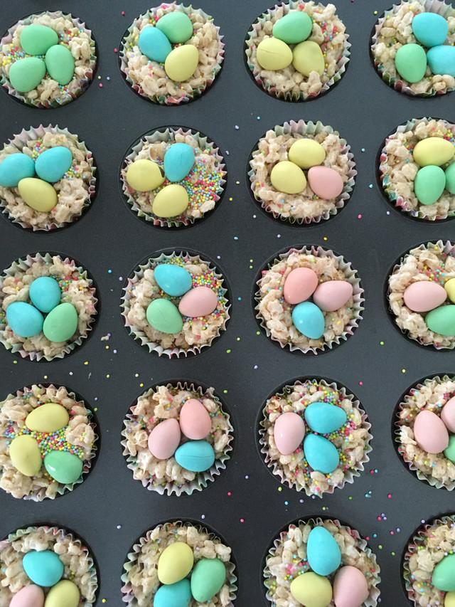 Easter Treat: no-bake sprinkly egg nests