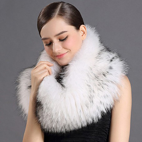 DMB49G Raccoon Fur Soond Shawl