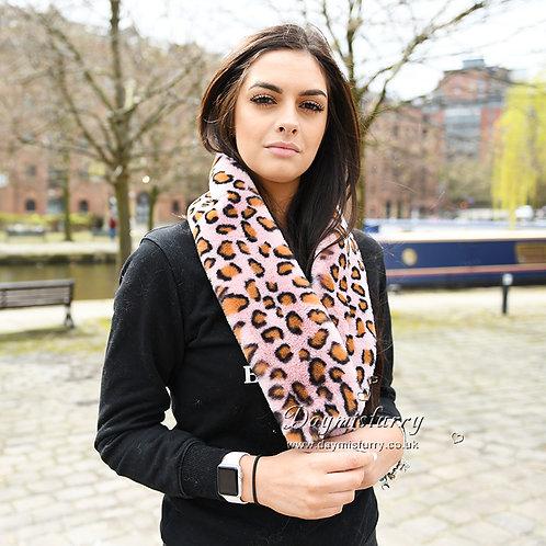 DMFS02B Leopard Print Faux Fur Scarf