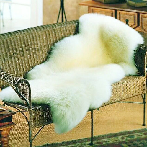 DMD112A 1 Pelt  Australian Whole Sheepskin Rug