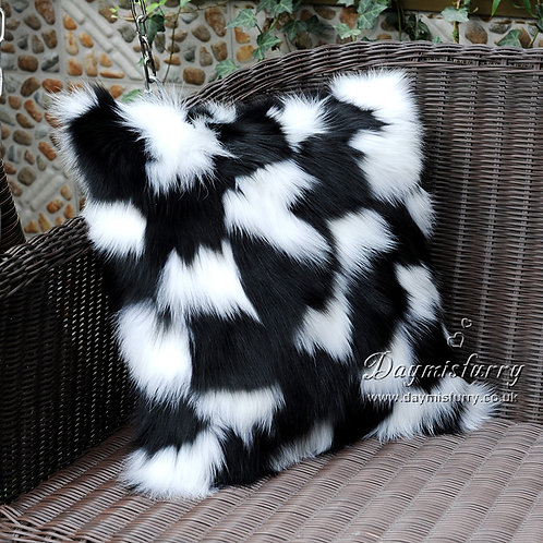 DMD33 PatchWork Fox Fur Pillow