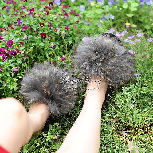 DMA101A Raccoon Fur Furry Slipper