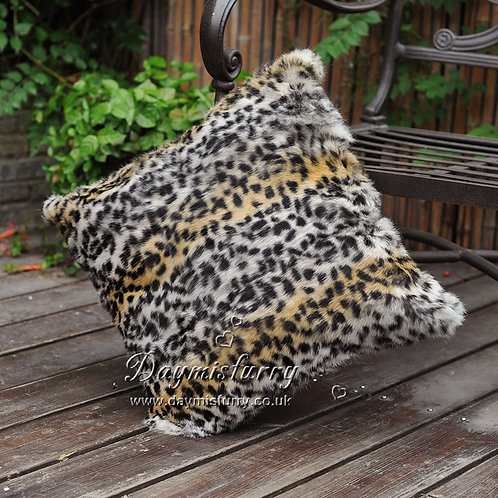"DMD129 Rabbit Fur Pillow Cover in Leopard Print -19.5""x19.5"""