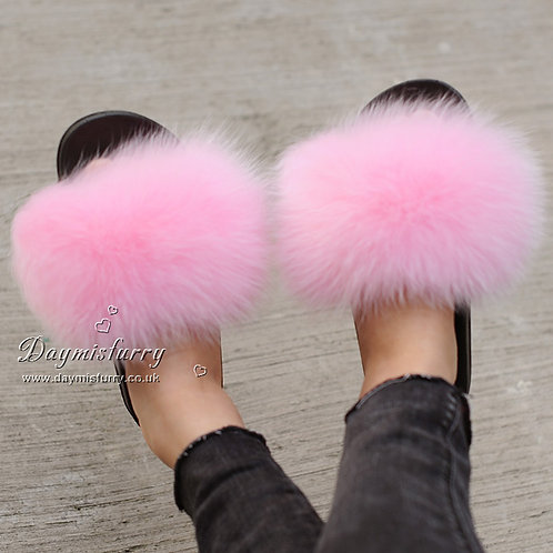 DMA70K Fox Fur Furry Slipper - Pink Icing