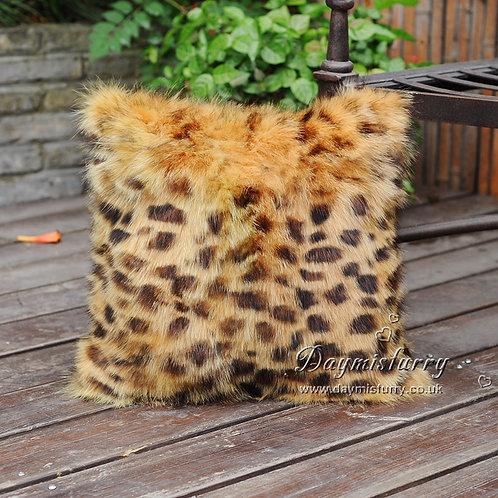 DMD37 Patchwork Fox Fur Pillow Cover in Leopard Print