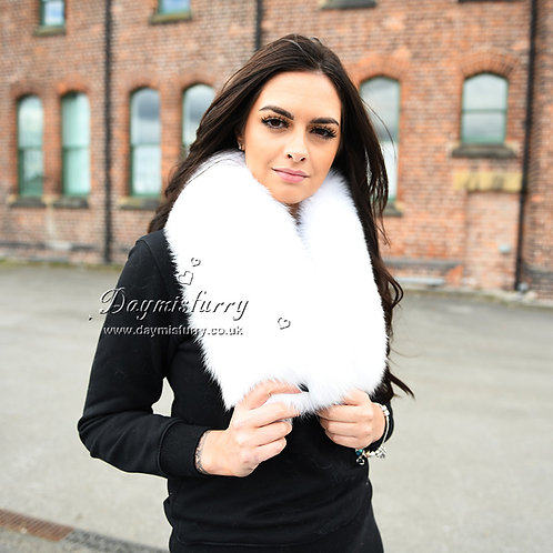 DMS81B Large Detachable  Fox Fur Collar In White