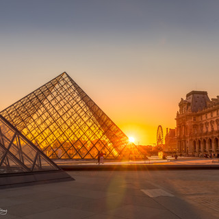 Sunset at the Louvre Pyramide