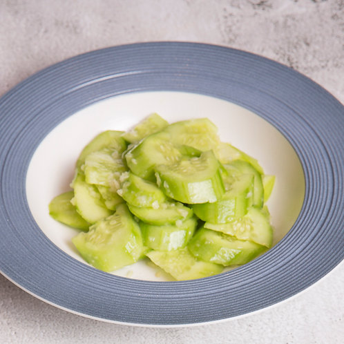 Smashed Cucumber with garlic sauce (89024)