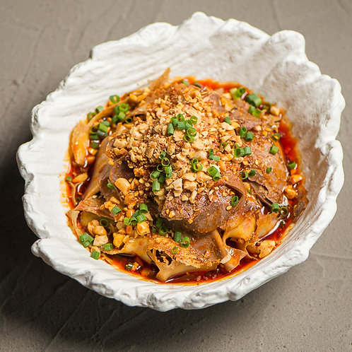 Beef tripe and tongues in chilli sauce (10103)