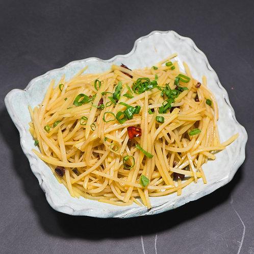 Vinegared and stir fried potato shreds (10684)