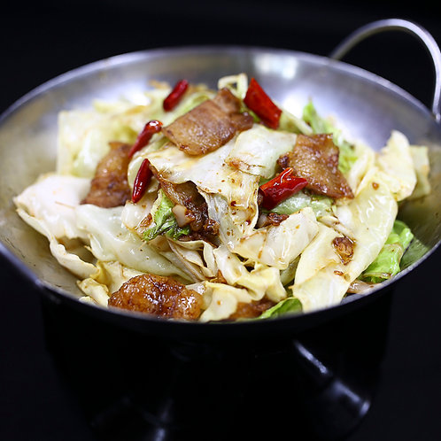 Dry braised bacon and cabbage (10601)