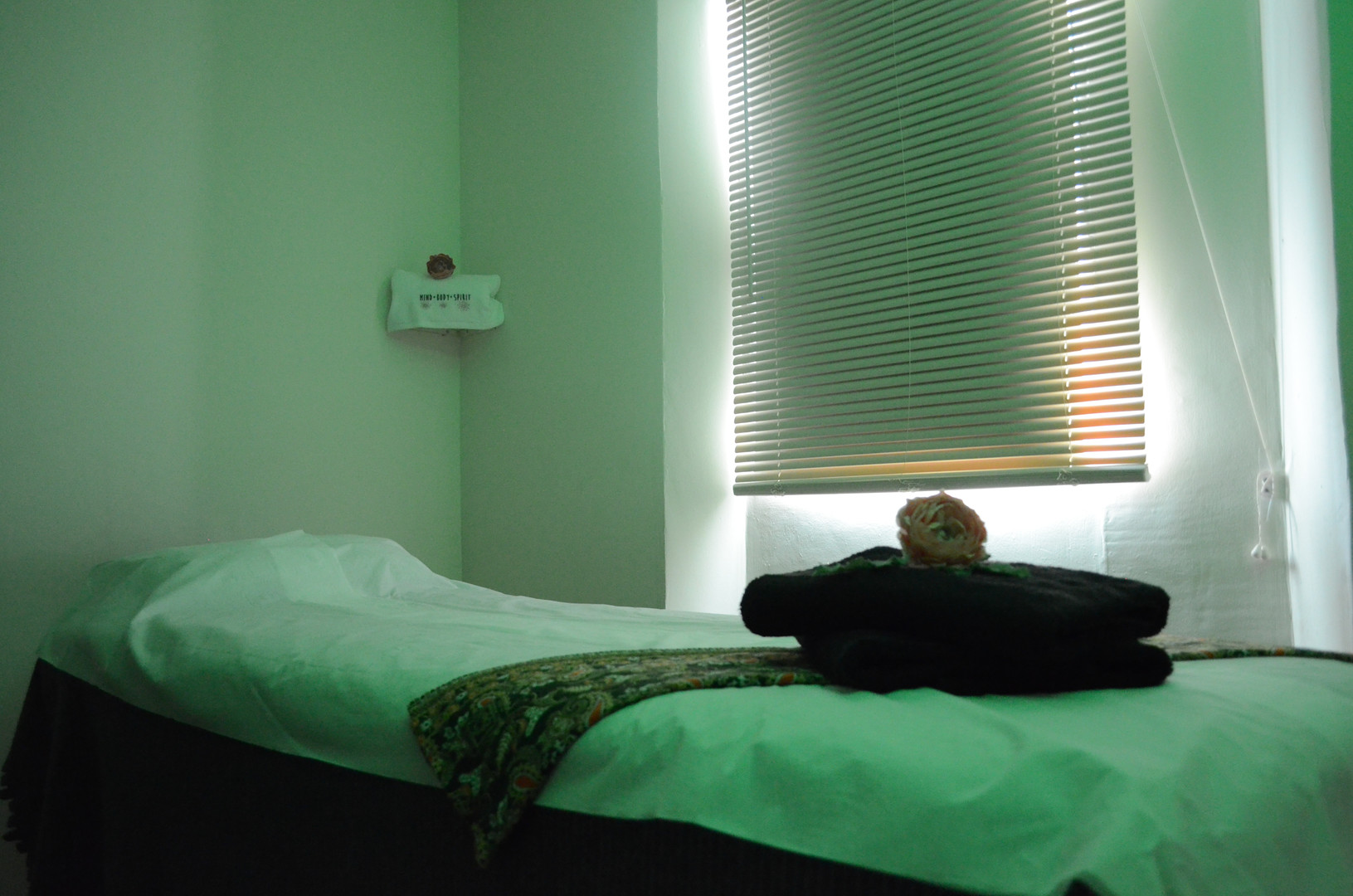 Massage Room Green Light