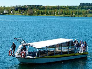 bateau promenade lac.jpg