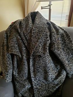 Grey Women's Leopard Coat Size-18-20