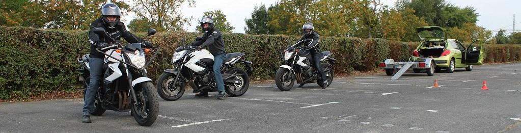 Le plateau moto chez Lardy Conduite
