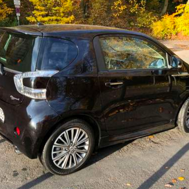 2011 Launch Edition Black (Germany) €31,496