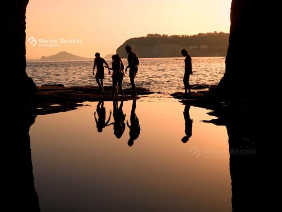In una goccia tra terra e mare: Specchi d'acqua
