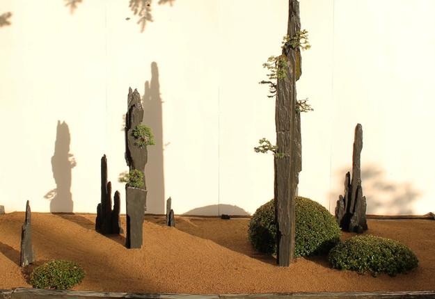 jardin de colonne contemporain