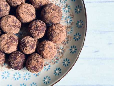 Cacao & Peanut Butter Energy Balls